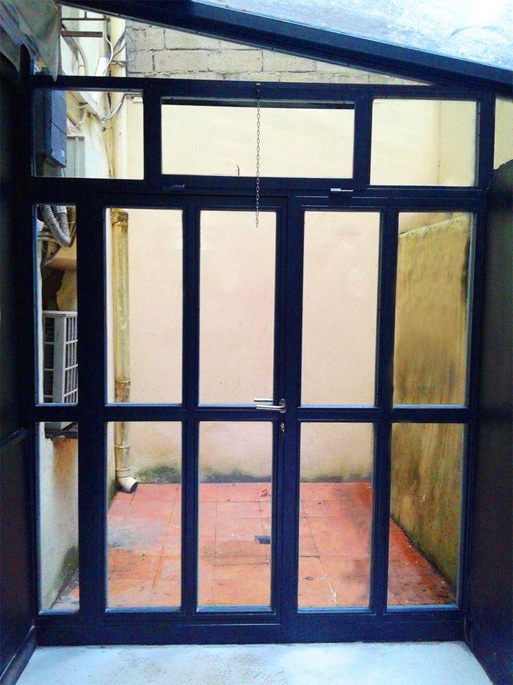 Cerramiento en acero galvanizado para patio interior de vivienda en #Donostia #Sansebastián