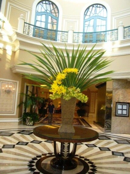17 best images about foyer on pinterest foyer tables for Foyer flower arrangement