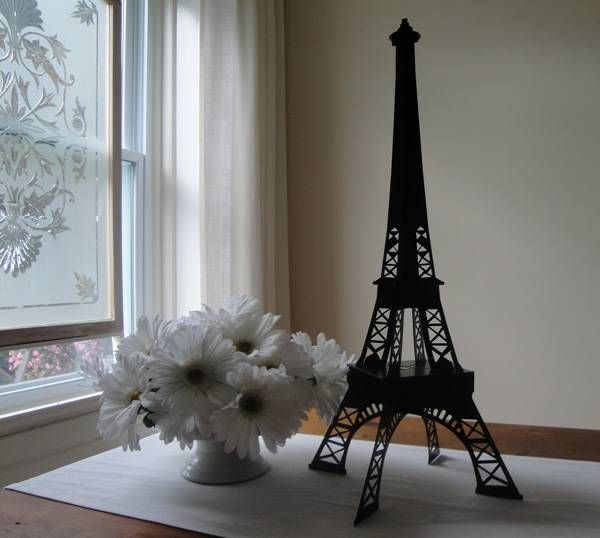 Metal Eiffel Tower decoration