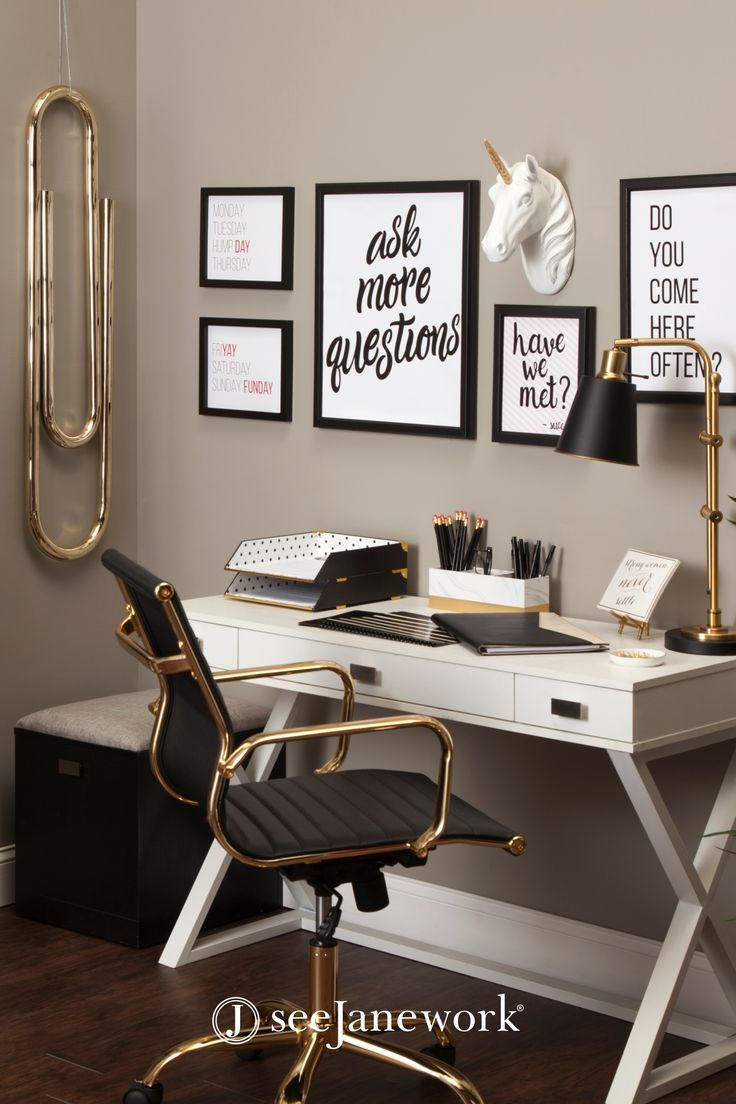 Beautiful Small Home Office Space With Wall Art In 2020 Small
