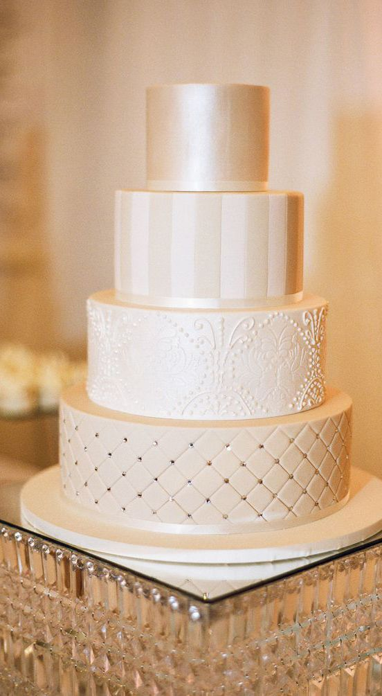 delicate cream - champagne - nude wedding cake