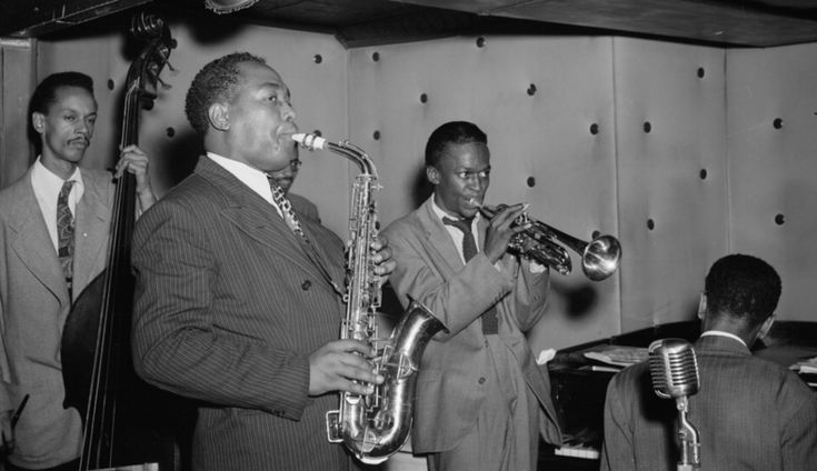 Hear 2,000 Recordings of the Most Essential Jazz Songs: A Huge Playlist for Your Jazz Education