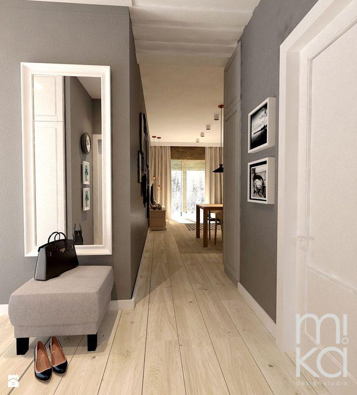 Między czernią a bielą - Hol / przedpokój, styl eklektyczny - zdjęcie od M!kaDesign
