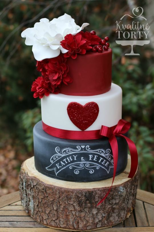 red and chalkboard wedding cake - Deer Pearl Flowers / http://www.deerpearlflowers.com/wedding-cakes-desserts/red-and-chalkboard-wedding-cake/
