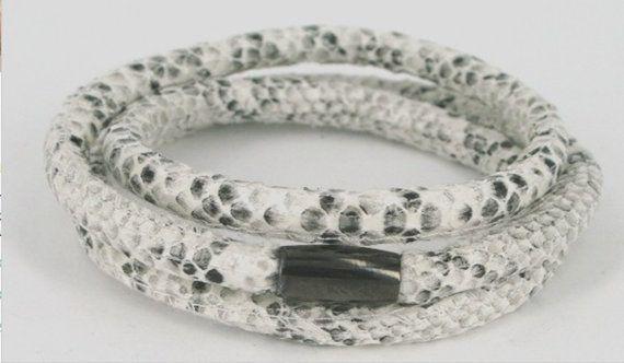 Armbånd slangeskindslook fra VeisDesign.