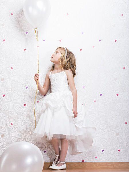 Bruidsmeisjesjurk Anastasia is eens iets  anders dan anders. Met een extra rok over  de korte rok, wat een stoere uitstraling geeft. Het bovenlijfje is mooi versiert met kanten motieven. Dit mooie jurkje is verkrijgbaar bij Corrie's bruidskindermode. bruidskindermode.nl. Trouwen, bruiloft, huwelijk, bruidskinderen, bruidskinderkleding, kinderbruidskleding, kinderbruidsmode, kinderbruidsjurk, bruidsmeisje, communie, communiekleedje, kinderbruidskleedje,  bruidsmeisjeskleding, communiekleding.