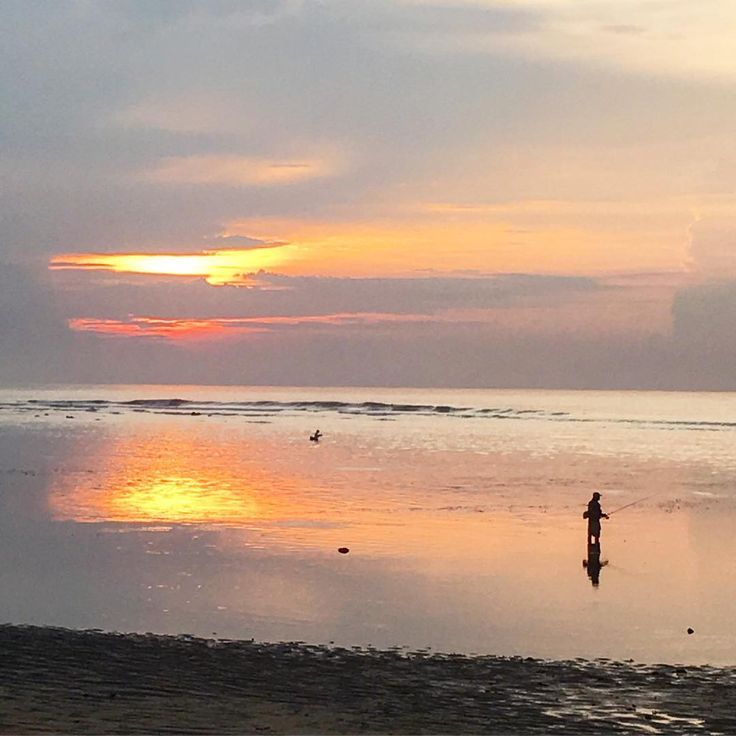Selemat pagi!! Today's shot is special because I'm reporting live from Bali!! Hooray, I'm back. Sunrise on Sanur beach. Love watching the fishermen catch their fish. . .