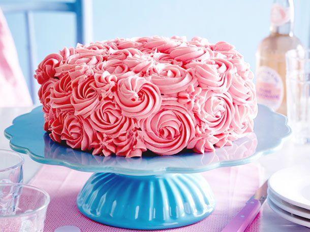 Unser beliebtes Rezept für Buttercreme-Rosenkuchen und mehr als 55.000 weitere …   – Kuchen