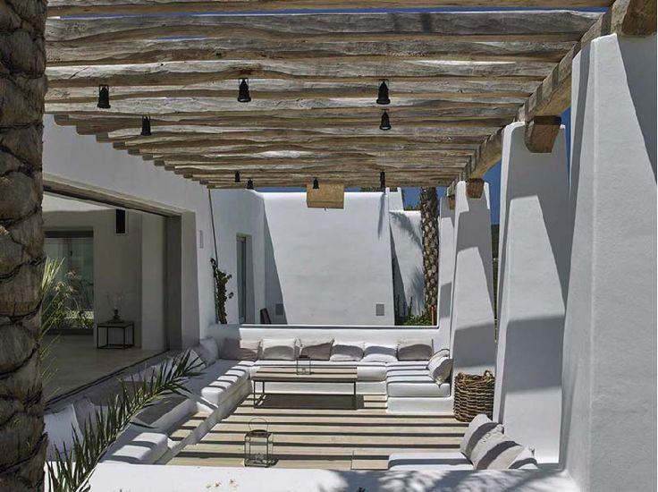 Oltre 25 fantastiche idee su case con piscina su pinterest for Case in stile spagnolo