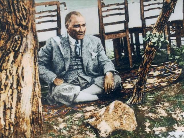 Forum - Atatürk Fotoğrafları ve Resimleri   Photoshop Magazin