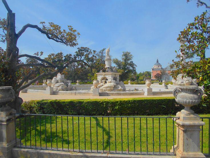 Barandilla y fuente de h rcules y anteo el palacio real for Jardines 7 islas