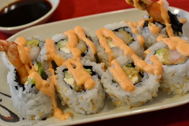 Gluten Free Shrimp Tempura Roll with Spicy Mayo