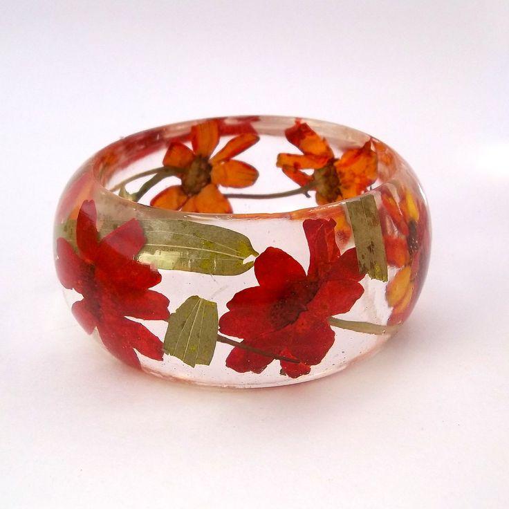 Red Resin Bangle. Chunky Resin Bangle Bracelet. Pressed Flower Bracelet. Real Flowers - Red Zinnia