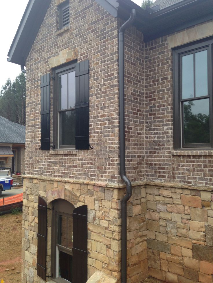 117 best images about exterior ideas on pinterest stone homes french country homes and - Building river stone walls with mortar sobriety and elegance ...