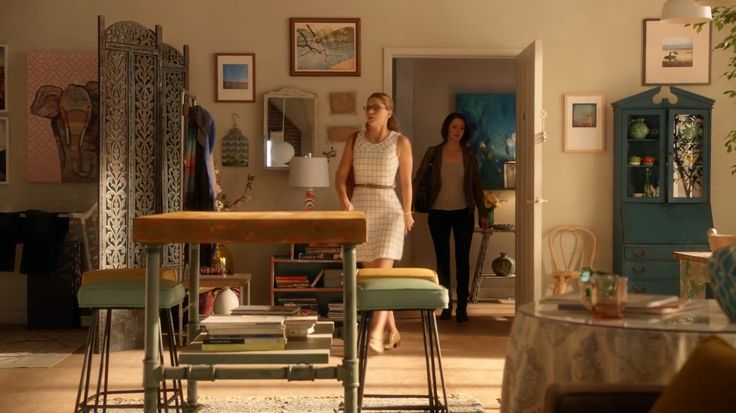 Kara Danvers' apartment on Supergirl (2.02 The Last Children of Krypton)