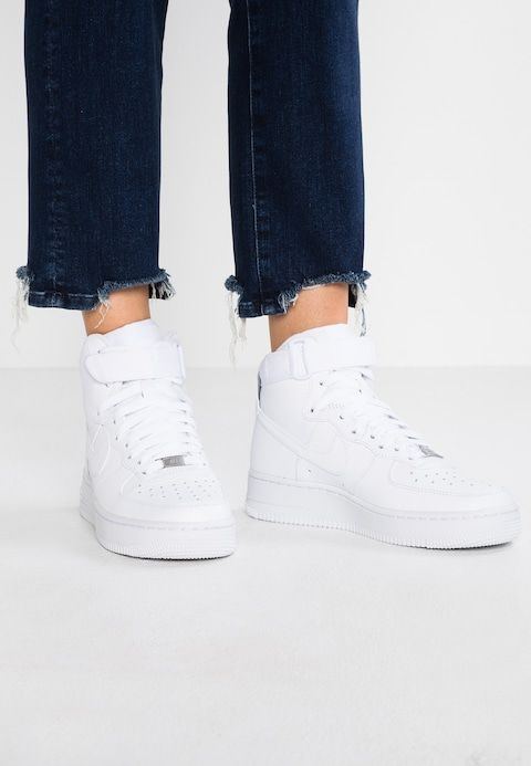 AIR FORCE 1 Sneakers hoog white @ Zalando.nl </p>                     </div> 		  <!--bof Product URL --> 										<!--eof Product URL --> 					<!--bof Quantity Discounts table --> 											<!--eof Quantity Discounts table --> 				</div> 				                       			</dd> 						<dt class=