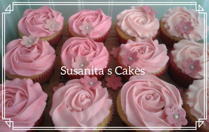 Cupcakes Rosados! ..#cupcakes #ponquesitos #pinkcupcakes #ponquesitosrosados #buttercreamcupcakes #susanitascakes #talentovenezolano #pink #rosado