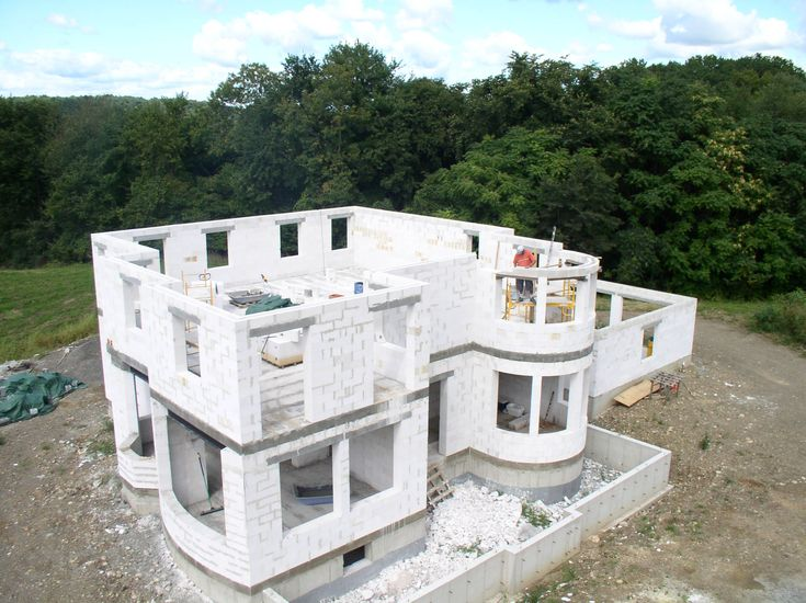 Autoclaved aerated concrete and concrete blocks on pinterest for Foam concrete house construction
