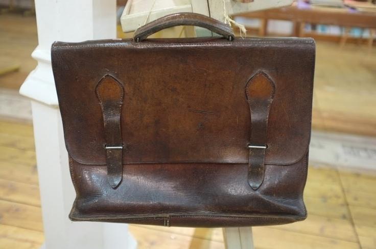 école d'autrefois, cartable cuir