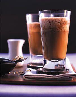 Heisser Nougat-Latte - Kaffee: Getränke mit und ohne Alkohol - [LIVING AT HOME]