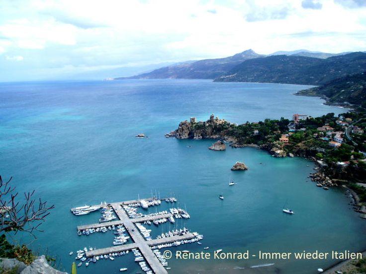 Vlakbij Cefalu > vliegen op Palermo Mooi oud stadje, strand zowat in het centrum!