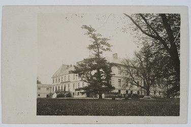 Rozdół n Dn., pałac hr. Lanckorońskich