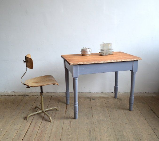 Table with grey legs  artKRAFT - Furniture&Design