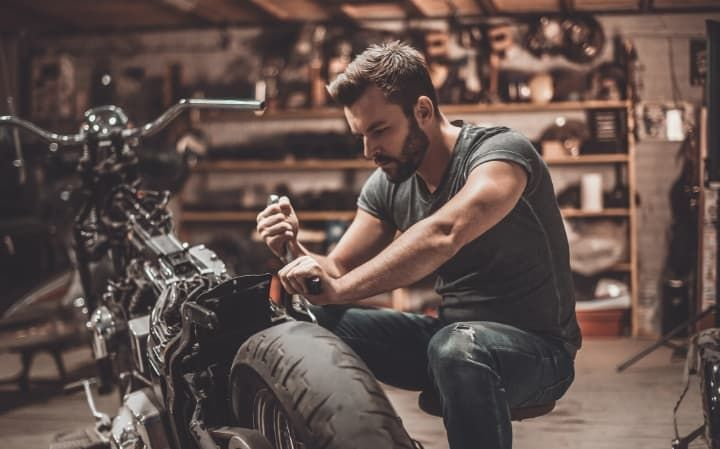 Stay In Tune With An Auto Repair Pos System In 2020 Motorcycle Mechanic Mechanic Garage Mechanics Aesthetic