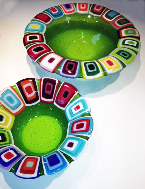 Glass bowls: Green. 40 and 30 cm in diameter. By the danish designer and artist Louise Lagoni.