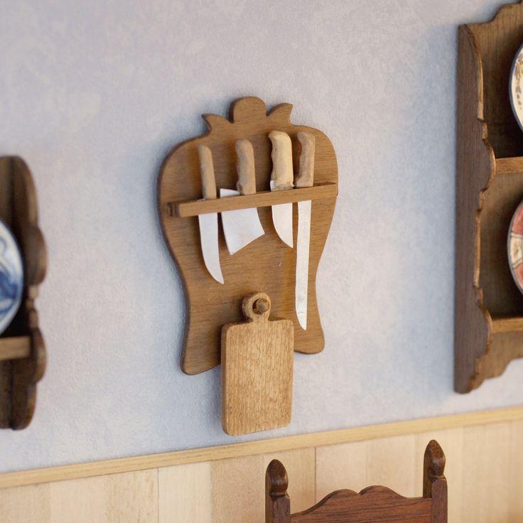 Estante cuchillero de madera en miniatura escala 1:12.