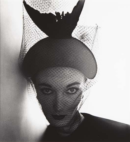 Irving Penn, Crescent Bicorne Hat (Evelyn Tripp), New York, 1949.