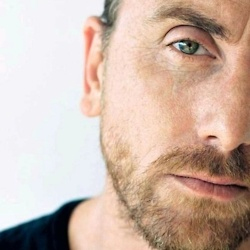 """Tim Roth - I love """"Lie to Me"""". Why do the good shows get cancelled but the reality crap makes celebrities of pond scum forever??"""