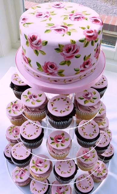 #SweetTreatbyShaily #SweetTreat #Shaily #Cupcake #Dessert #WeddingCake #HandPainted #Painted #Floral #Pink