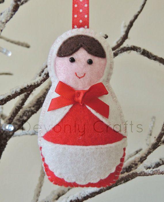 Russian Doll Felt Christmas Decoration x1