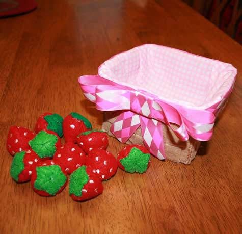 Felt food Stawberries and Basket ITH Design - Newfound Applique