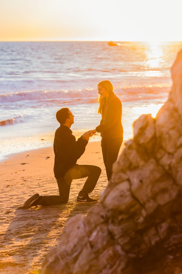 how dreamy is this surprise sunset beach proposal?!