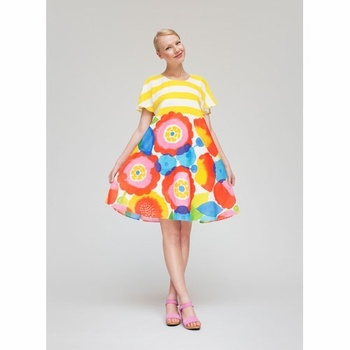 Dying over this Marimekko Tytär Dress from @FinnStyle. It's a bit pricey for me but it screams Summer, doesn't it?!
