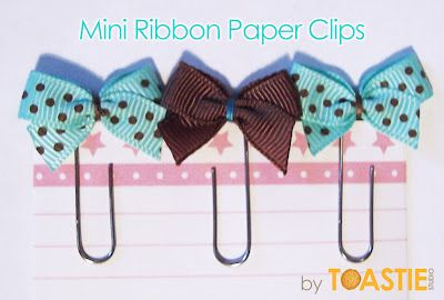 Toastie Studio Blog: Mini Ribbon Paper Clips {Tutorial}    These would also make great infant bows -- without the paperclip of course.