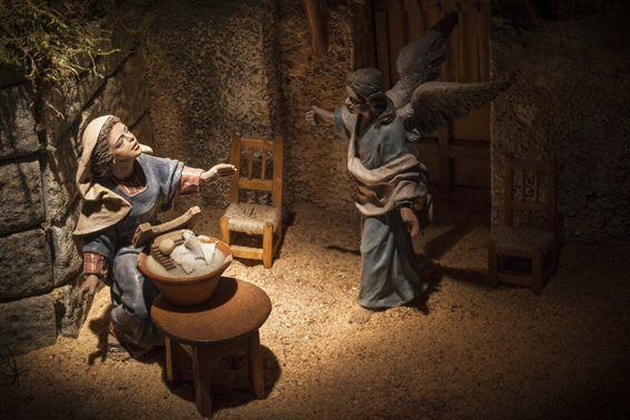 La Virgen María y el ángel Gabriel  en la Anunciación!!!