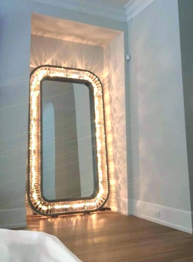 Large Stand Up Mirror Decoration Body