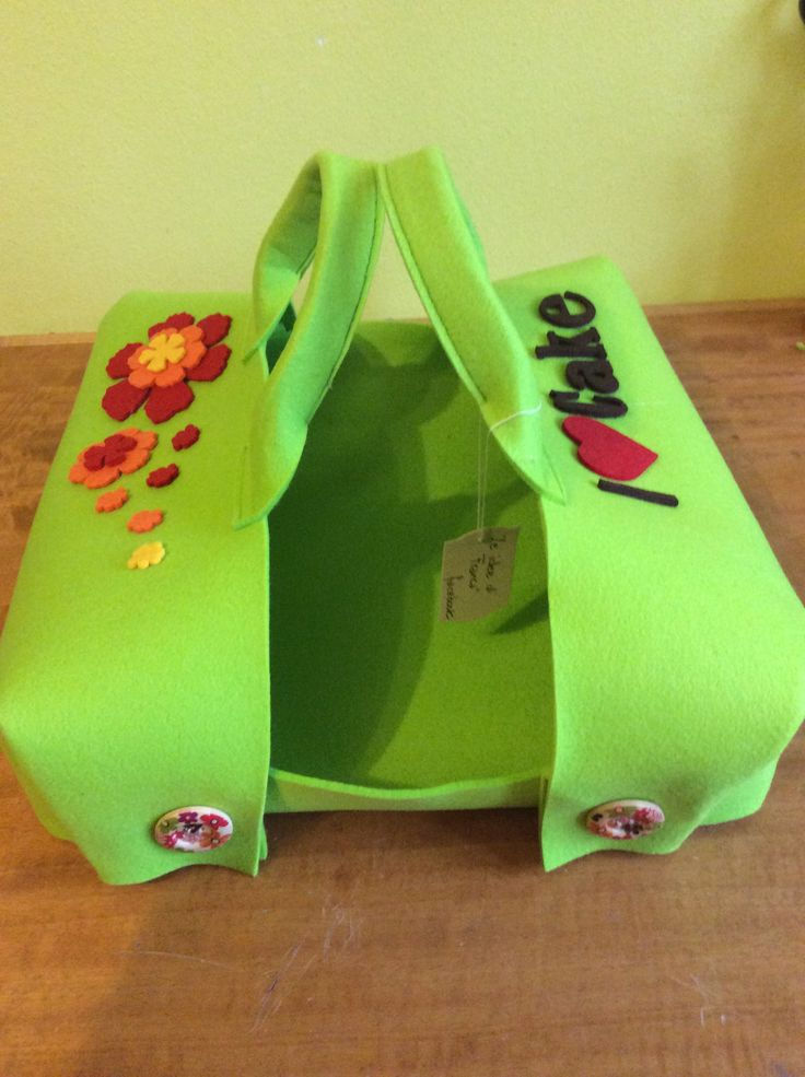 Porta torta verde in feltro
