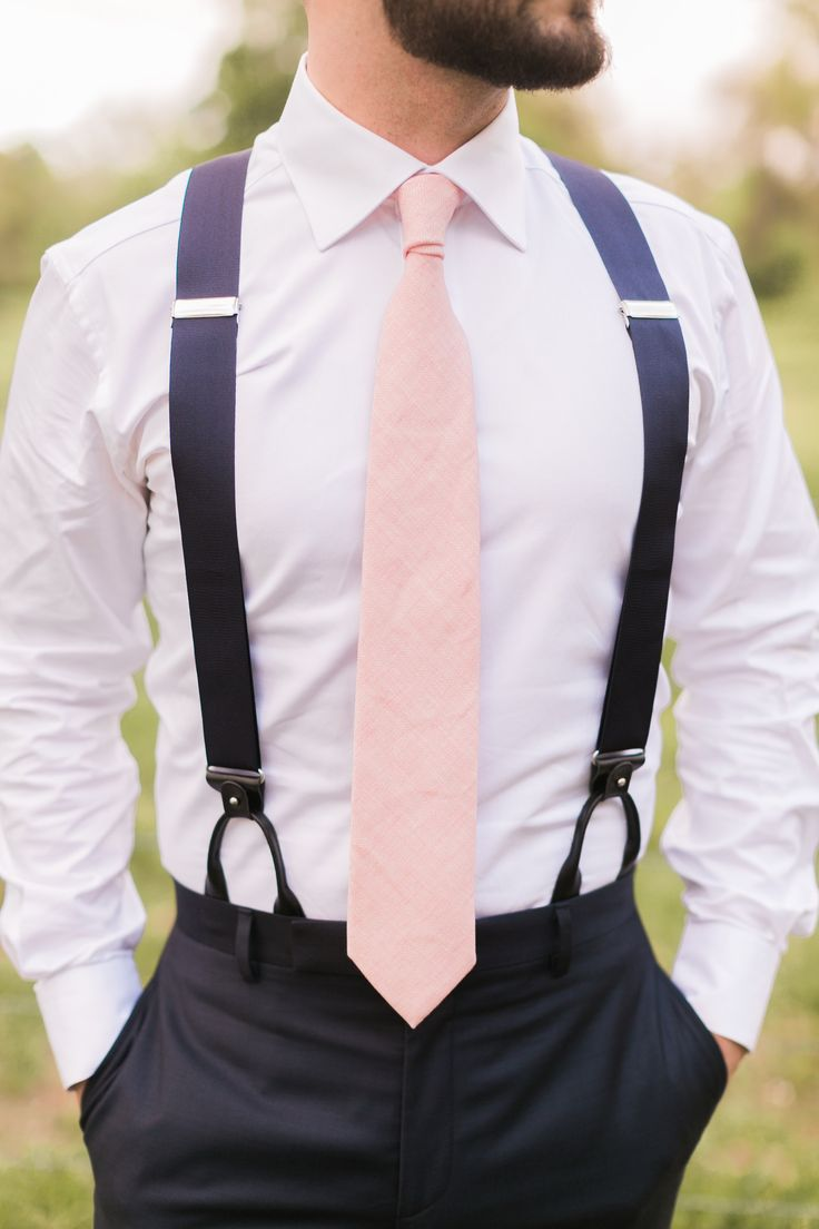 navy and pink groomsmen attire with tie