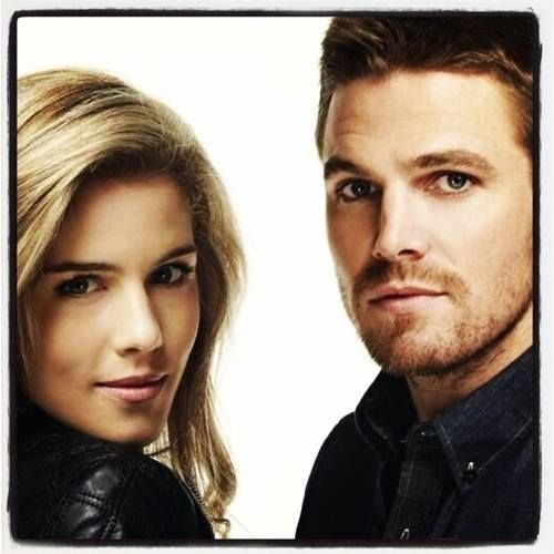 Stephen Amell & Emily Rickards  love these 2 as Oliver & Felicity♡