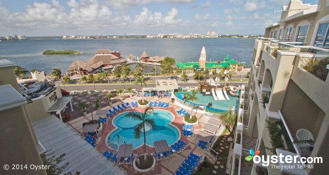 Gran Caribe Real Cancun pool area