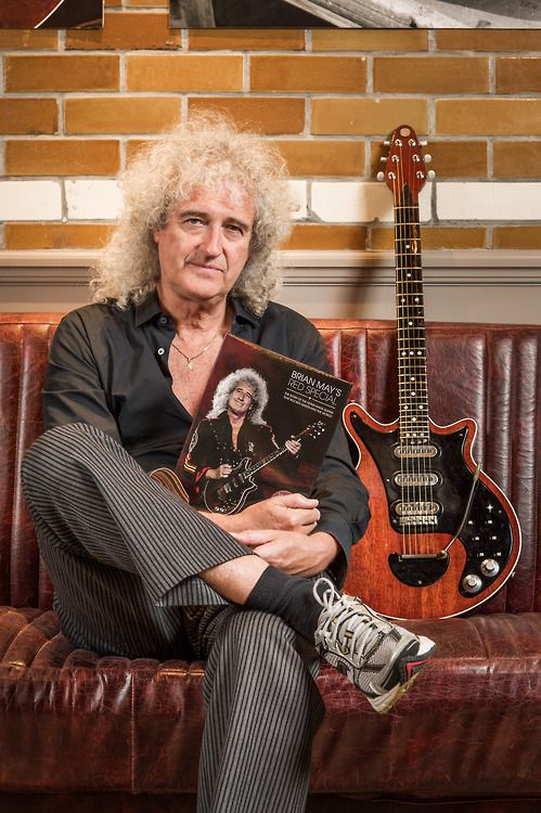 Brian with his new Red Special book