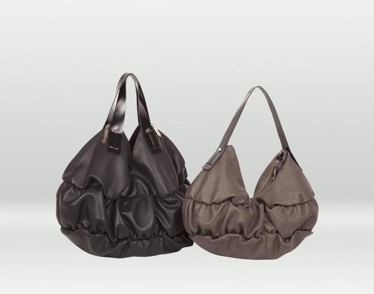 Ci pareva di aver capito che vi piacessero le borse morbide e capienti...come questa forse?