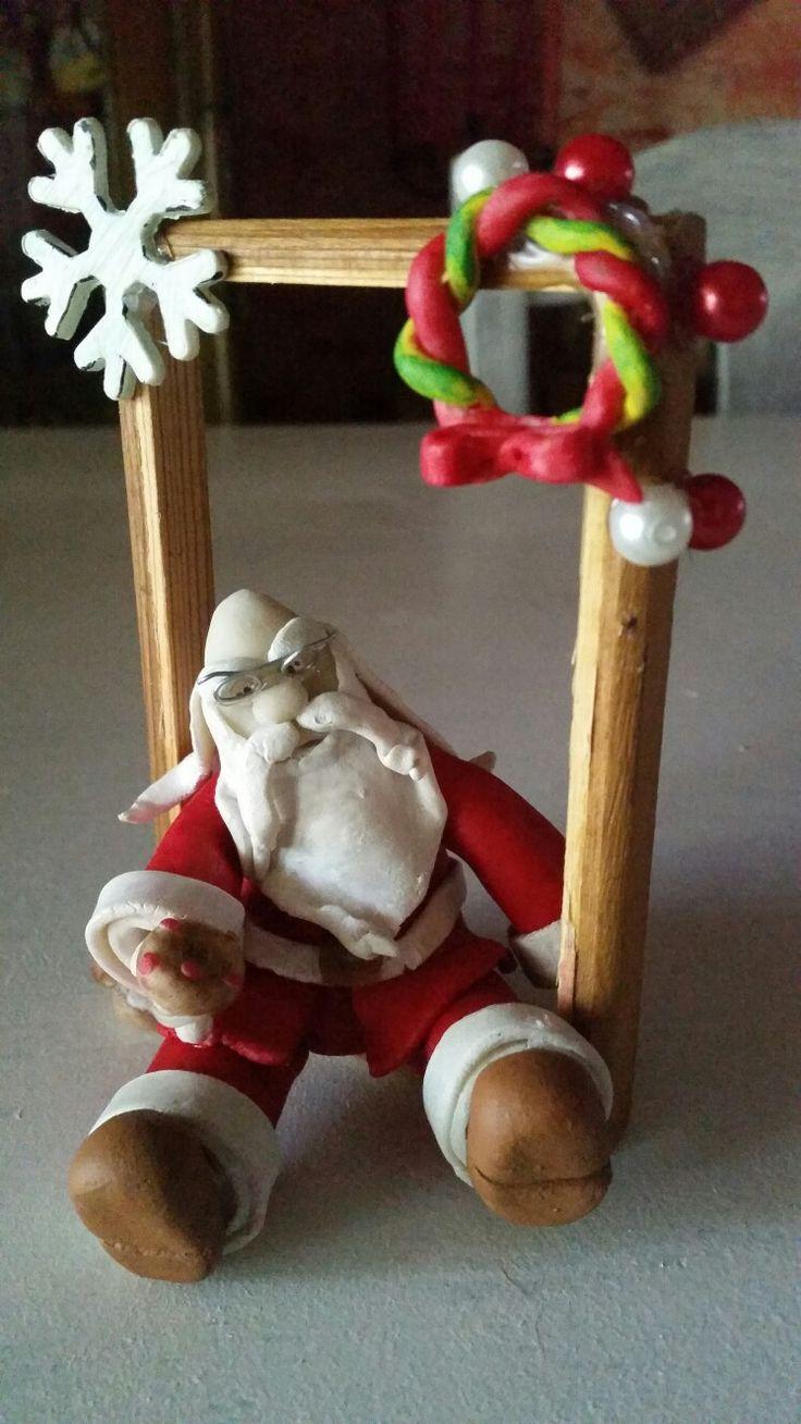 """Piccolo""""Babbo Natale"""" in c.f.su cornice in legno"""