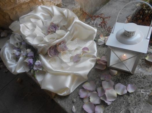 Petali di rosa da lanciare agli sposi alla fine del #matrimonio