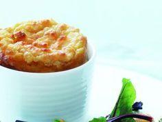 Soufflé de queso de cabra con ensalada de remolacha