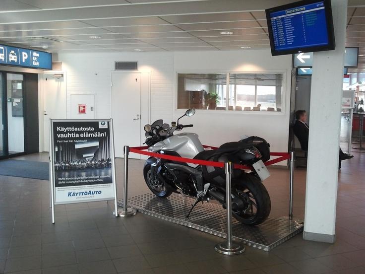 Vaasan Käyttöauto Vaasan lentoasemalla